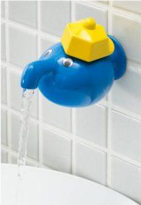 子供も喜ぶ壁付け水栓