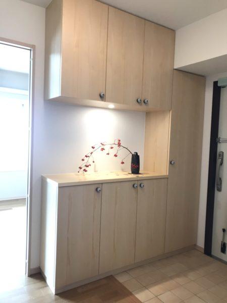 デザインと機能性にこだわった玄関収納が完成しました!