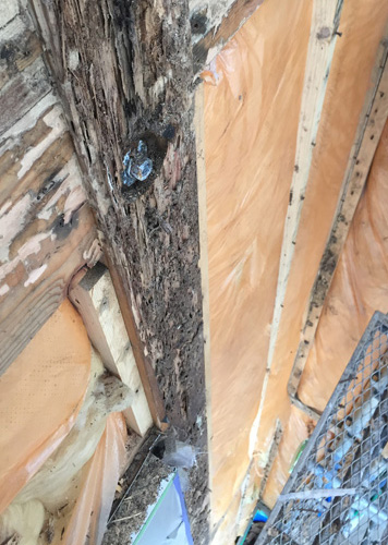傷んだ柱の補強