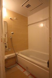 奥行きを10cm拡大した浴室。