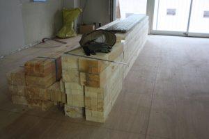 骨組みになる垂木も搬入済み。準備万端です!