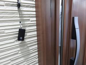 電子式玄関ドア