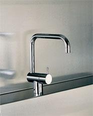 わが家のキッチン水栓はセラトレーディングです。
