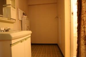 浴室リフォーム前の洗面室