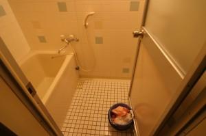 浴室リフォーム前のタイル