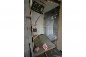 浴室リフォームの配管敷き設前を別角度から