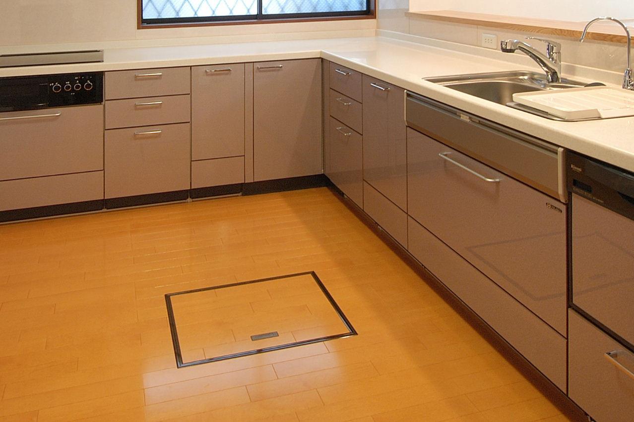 電動キッチン床下収納蓋