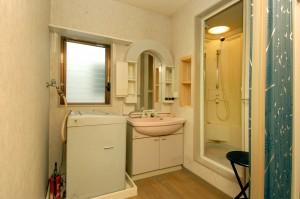 リフォーム前の子世帯シャワー室のサニタリー