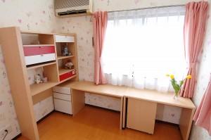 リフォーム後の子供部屋机