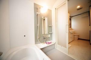リフォーム後浴室とサニタリーが一続きになっている