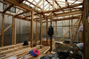 スケルトンリフォーム中古い柱や梁を新しい材料で補強