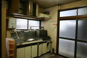 キッチンリフォーム前の窓側の状態