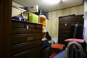 収納リフォーム前の荷物置きの部屋