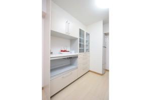 キッチンリフォーム後のシステム収納棚