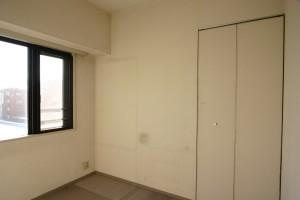 収納リフォーム前の寝室側