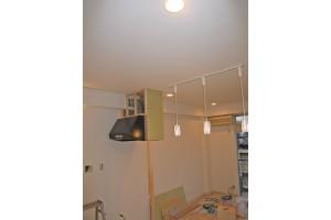 キッチンリフォーム中の換気扇設置