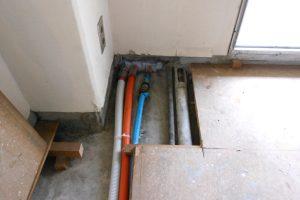 水道配管交換工事後和室からベランダへ