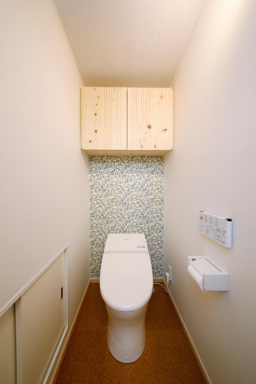 シラス壁のトイレ