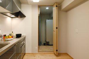 キッチンリフォーム後の電気温水器室