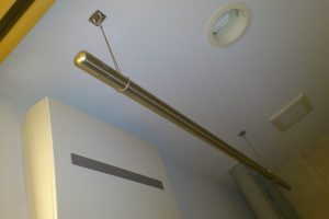 リフォーム後に伝温水器室に物干しを設置