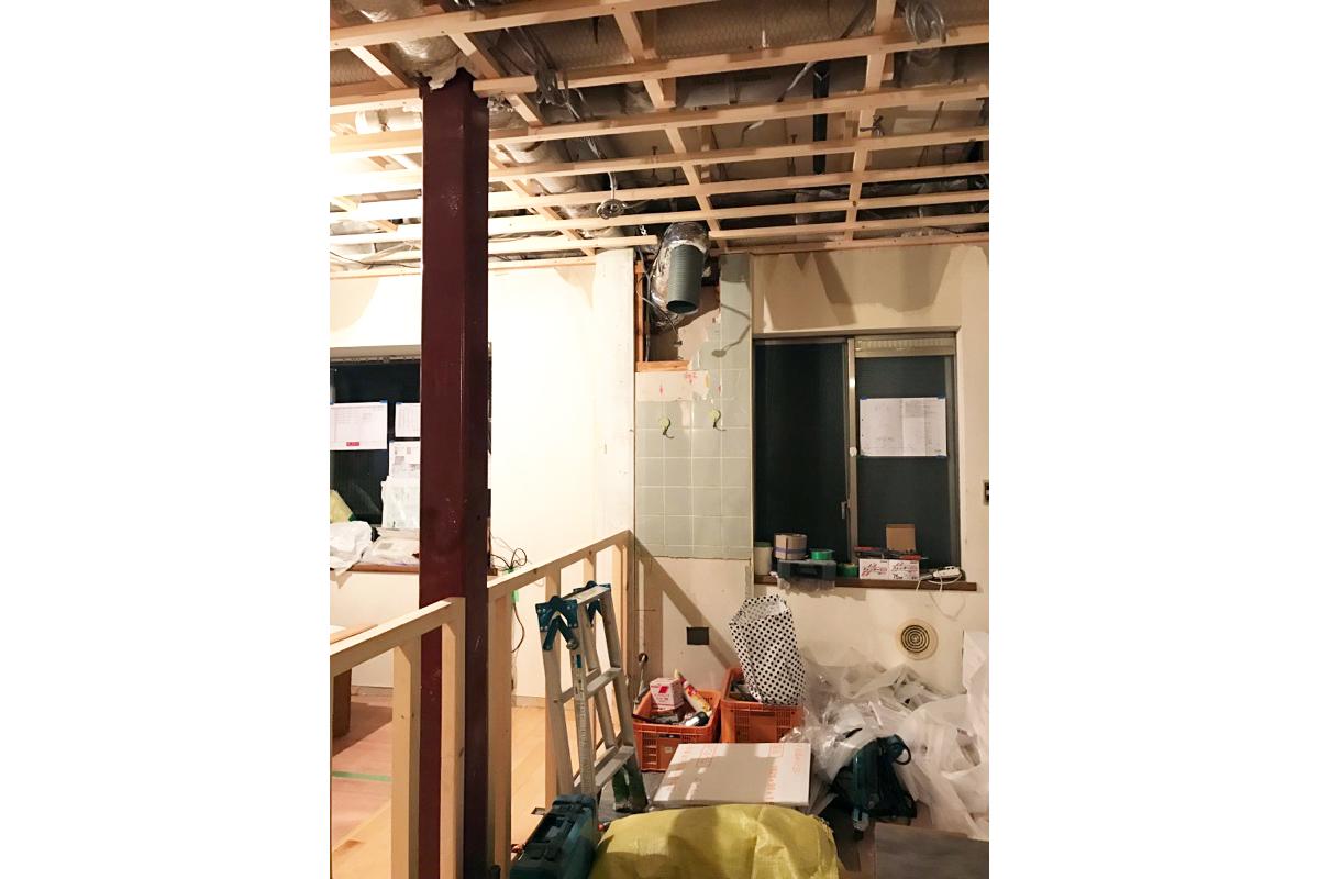 工事中キッチン天井