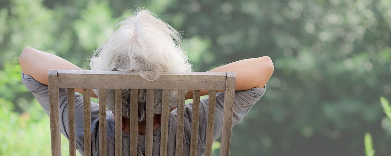 人生のゆとりを楽しむ60代女性
