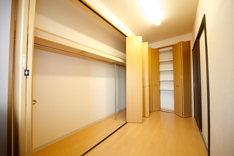 リフォーム後の納戸のクローゼット扉開放