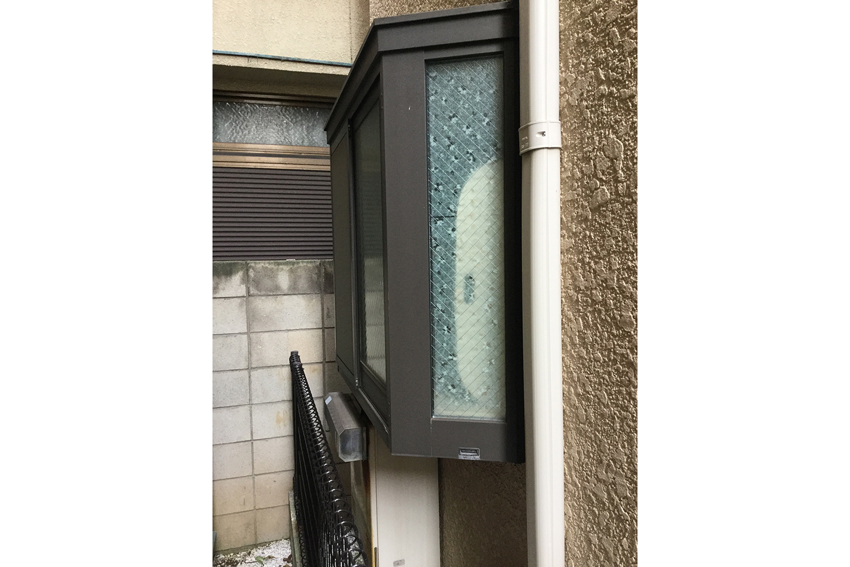 外壁窓際リフォーム前