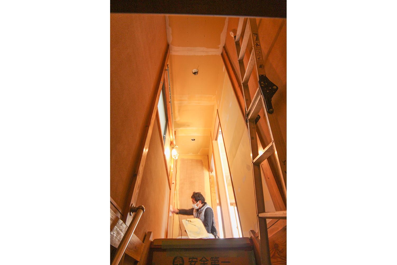 リフォーム中の階段