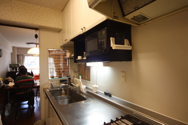 リフォーム前のキッチンの吊り戸棚