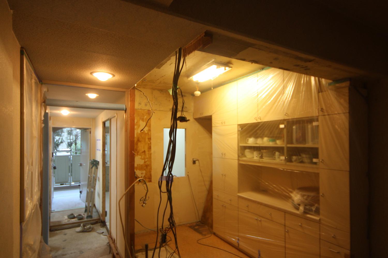 キッチンの壁解体