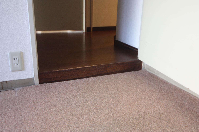 北側部屋と廊下の段差