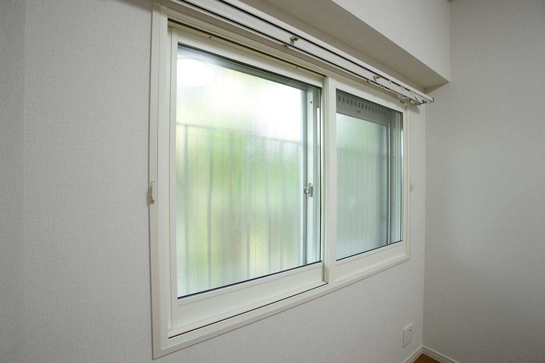 西側洋室の内窓