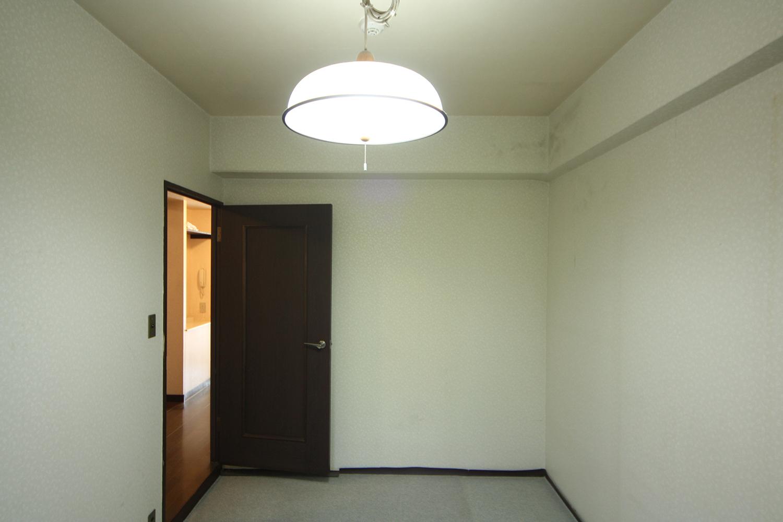 リフォーム前の洋室