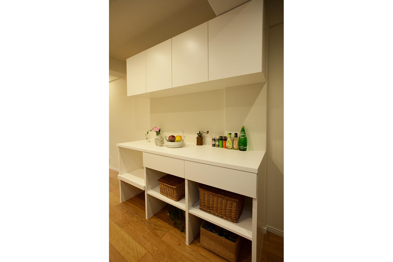 キッチンの造作食器棚