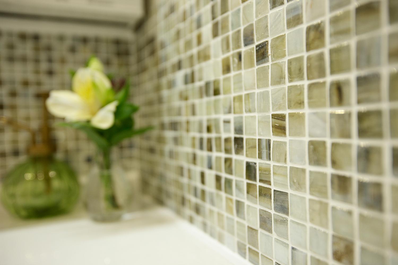 洗面室のタイルクローズアップ