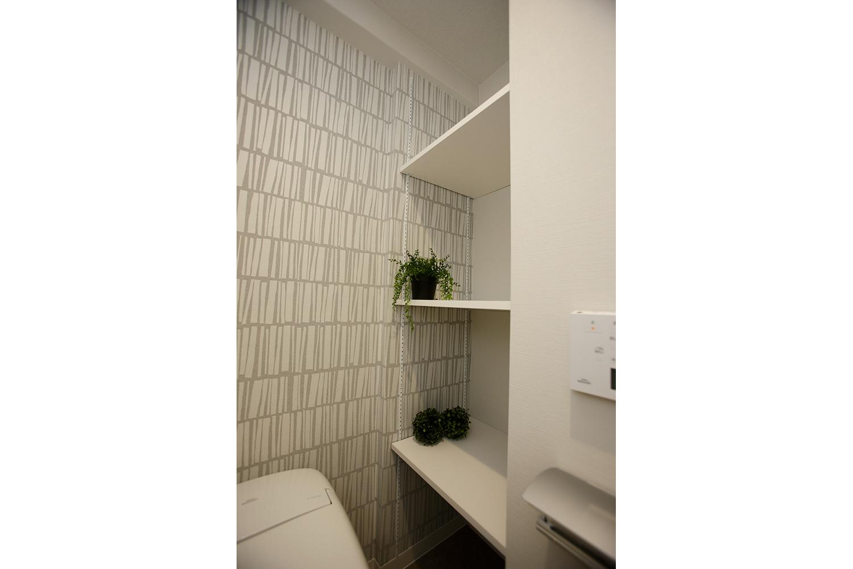 トイレ飾り棚