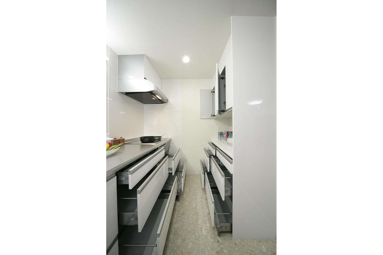 キッチンの扉を開けた状態