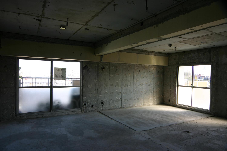 スケルトン状態和室とリビング