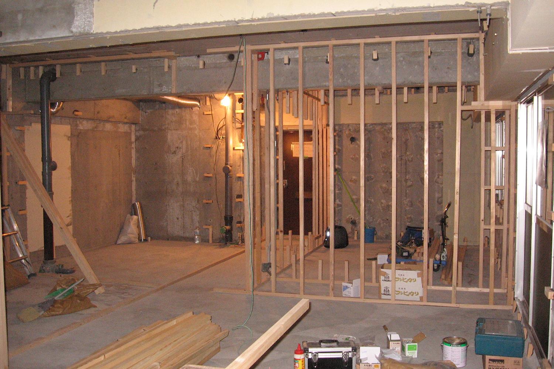 大工工事 木枠工事中