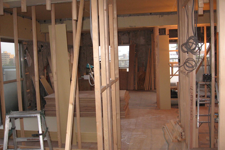 木枠施工中