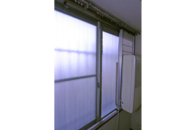 施工前北側部屋サッシ窓