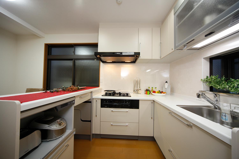 リフォーム後のキッチン全景