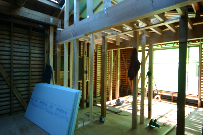 施工中の2階柱と梁