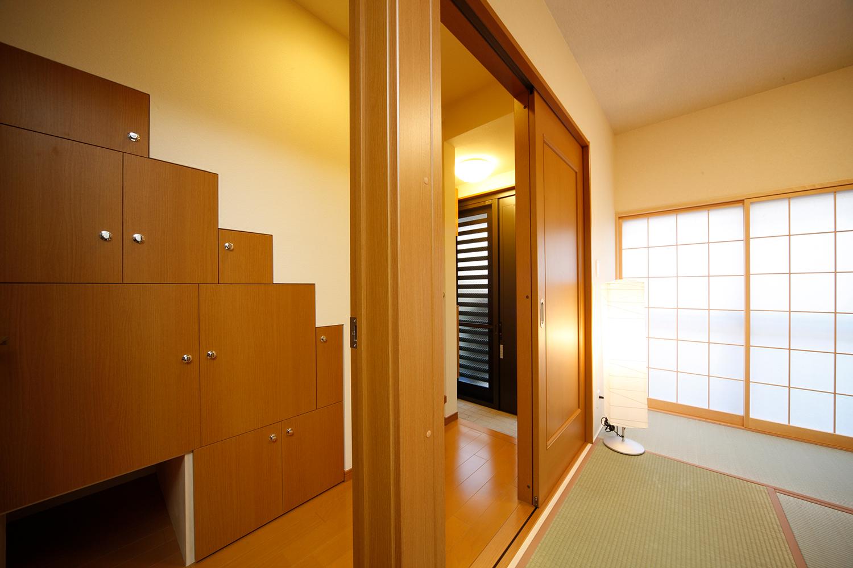リフォーム後の1階階段収納と和室