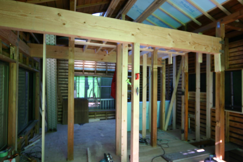 施工中の梁と柱