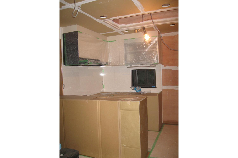 施工中キッチン
