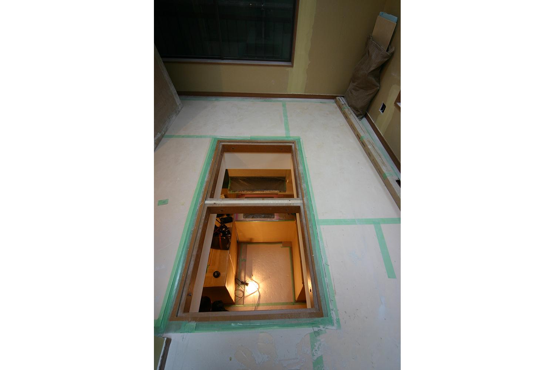 施工中の2階光井戸開口部