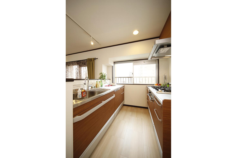 Ⅱ型のキッチン