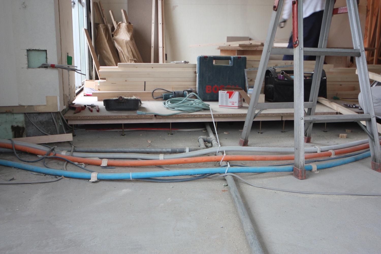 新しいガス管と給水管